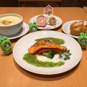 【シルバニア森のキッチン】35周年記念スペシャルメニューを食べてみた☆【プレート・グラス付き♪】