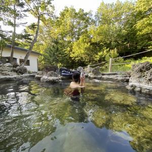 大自然の混浴露天風呂 【 秘境知床の宿 地の涯 】 岩尾別温泉
