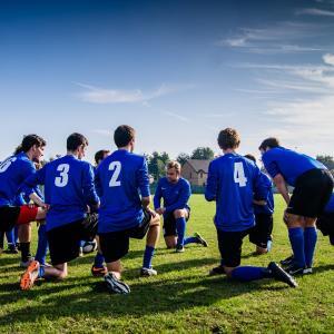 サッカーで子供が集中力を高めるトレーニングおよび方法とは?ライフキネティック導入で激変した効果!