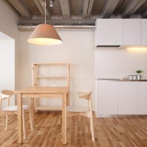 シンプルでおしゃれな部屋の写真をお手本にすると家事が増える。