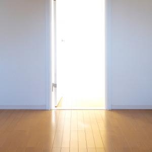 シンプルとは何もない白い部屋で暮らすことではない (ドミニック・ローホー『捨てる贅沢』レビュー3)。