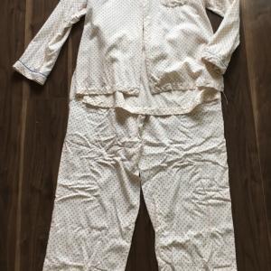 パジャマは寝る時に必要かどうか?。