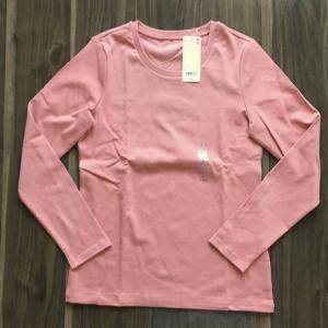 ユニクロの長袖Tシャツでスプリングに合う色はどれ?(服選びの方法)。