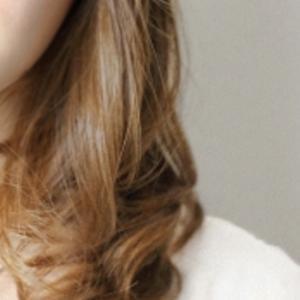 パーソナルカラースプリングに合う髪色、髪型とは?