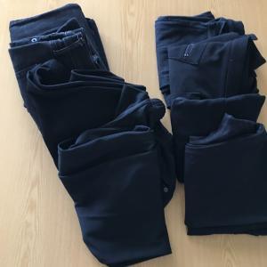 黒い服の断捨離の実践。GAPデニムなど8本の黒いパンツを処分した感想。