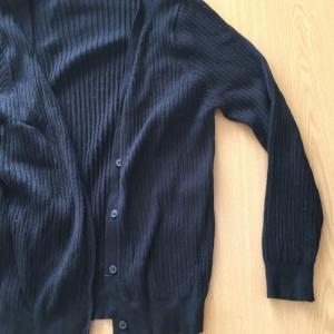 いらない服「黒いカーディガン」3枚を捨てた感想。「とりあえず黒」という考えが服を増やす。