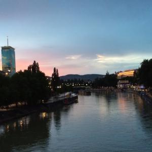 【後編】欧州の古建築【賃貸アパート・ルームツアー①】ウィーン近郊クロスターノイブルグ・オーストリア