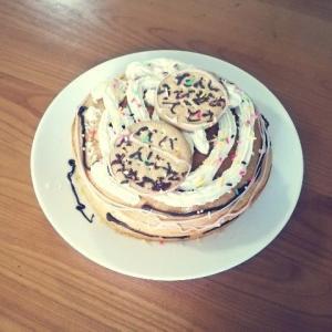 誕生日ケーキとおまけクッキー。