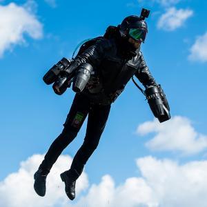 アイアンマンが現実に!英国海軍・ジェットスーツを試験!
