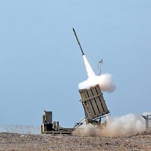 イスラエル。驚異のアイアンドーム防空システム!