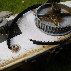 芝刈り機が故障してしまった