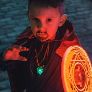 Doctor Little Strange Cosplay : マーベルの小さなヒーローのドクター・リトル・ストレンジのクールなコスプレ ! !