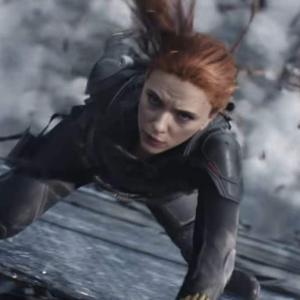 Black Widow Crucial Moments : スカーレット・ジョハンソンのブラック・ウィドウが、絶体絶命のデンジャラスを巧みにすり抜ける九死に一生のアクションの見せ場をまとめた不死身のコンピレーション・ビデオ ! !