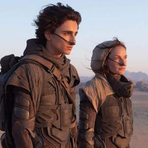 Dune : デニス・ヴィルヌーヴ監督のSF超大作「デューン」が本編映像を初公開する待望の予告編と「ワンダーウーマン 1984」の新しい予告編を、ワーナー・ブラザースが近日リリース ! !