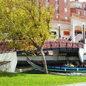 【ヴェネツィアより安い】ゴンドラとトゥクトゥクに乗ってアヴェイロで優雅に休暇を過ごそう