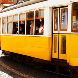【1~2時間待ちは当たり前】リスボンの28番トラムに乗りたければ早朝か夜に行け