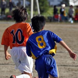 【何番が人気?背番号の意味は?】サッカーの背番号にまつわるお話