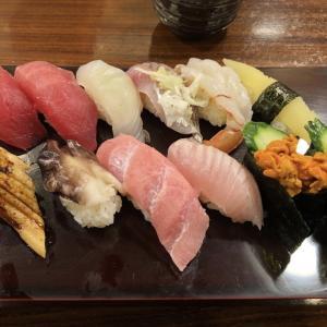 横浜 「いなせ寿司 本牧店」でランチ