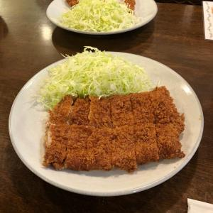 「勝烈庵」の大勝烈定食とロースかつ定食