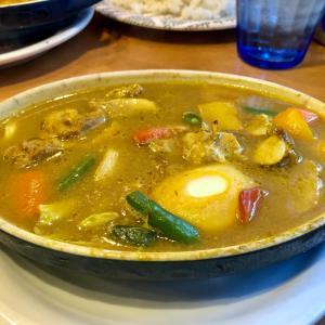 「Kikuya Curry (キクヤカリー)」で、スリランカ風ローストチキンカレーを♪