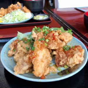 テンカラ定食と油淋鶏定食 「郷どり 燦鶏 (さとどり さんけい)」でランチ