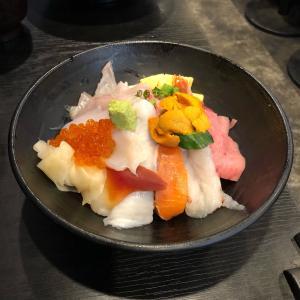 「ふじの匠寿司」でランチ♪ 新鮮で豪華な美味しい海鮮丼(上)