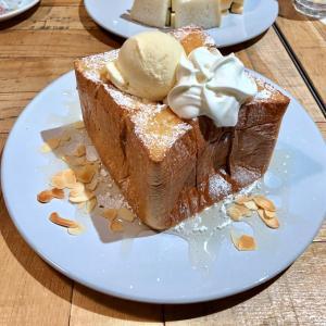 「俺のBakery&Cafe」で、俺のフレンチトーストやハニートーストを♪