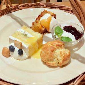 横浜「Afternoon Tea TEAROOM (アフタヌーンティーティールーム)」でアフタヌーンティーセットを♪