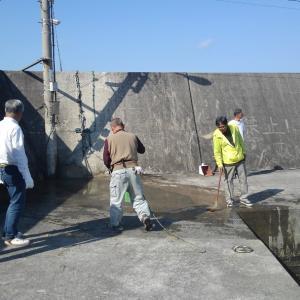 港の大掃除