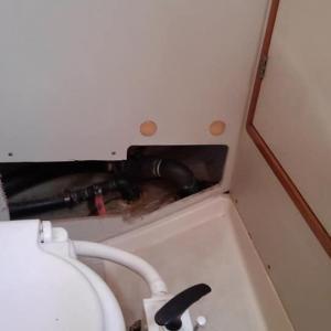トイレのバルブの交換しました。