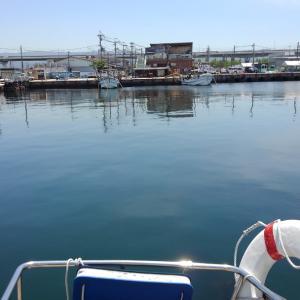 ヨットの中が暑い❗