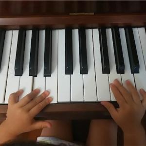 ウチのこども達がピアノ好きになった方法 ー赤ちゃんの手にもぴったりのミニピアノ