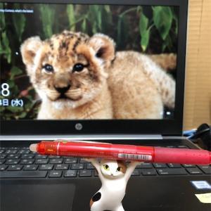 『ネコのペンおき』ガチャガチャとは思えない