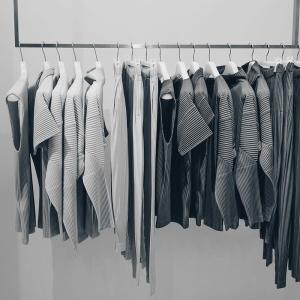 流行に過敏に反応する日本人のファッションについて堅苦しく語ってみる