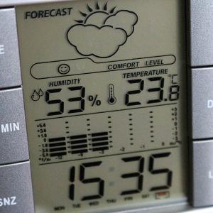 エアコンの除湿と冷房の電気代はどっちが安い?夏はどちらの運転が正解?