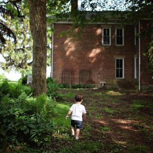 子供にハーネスを付ける事への賛否?!子供への影響と、母の心理のお話。