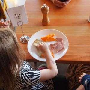 共働きで子供の食事の用意ってどうしてる?ママの本音と負担軽減メニュー