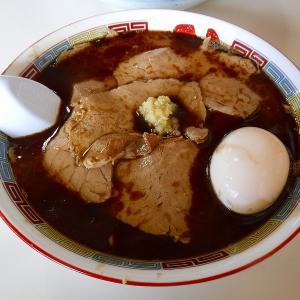 【旭川市】蜂屋旭川本店は豚骨魚介のWスープと焦がしラードのパンチのあるスープがインパクトあり