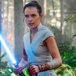 Star Wars 9: Rey's Forces Powers Are Meant To Be a Mystery