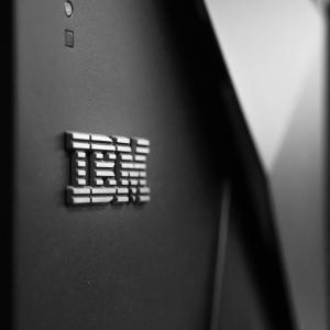 IBMの株価と今後の見通しは?新型コロナ直撃も高配当利回りが魅力!