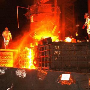 日本製鉄(新日鉄住金)の株価が暴落!世界的な鉄鋼の供給過剰で長期低迷?