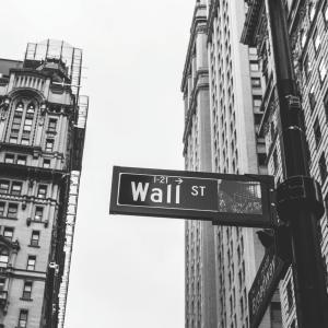 VTIの魅力は株価やチャートの上昇だけじゃない!S&P500より秀逸な理由は?
