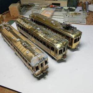 叡電3両は塗装へと思いきや追加工作を