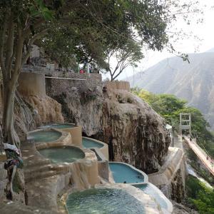 【メキシコ】砂漠のオアシス・トラントンゴ洞窟温泉でコロナ疲れを吹っ飛ばせ!