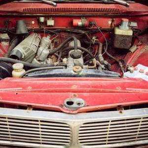 エンジンルームの異音!不安なるカタカタやカラカラの原因と最善の対応策