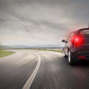 【ブレーキが効かない】軽いフェード現象でも恐怖する緊急事態の対処法
