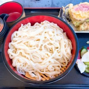 武蔵野うどん きやんちで天ぷら食べ放題。