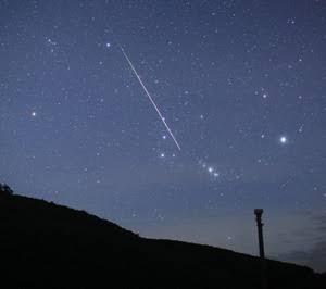 明日から 夜空を見上げてみようかな✨(♪ 星のしずくに濡れて ))