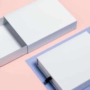 パッケージデザインの3つの役割!作品に合ったパッケージ を考えよう!