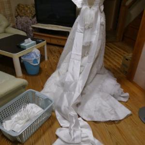 ウェディングドレス 解きに入りました R61